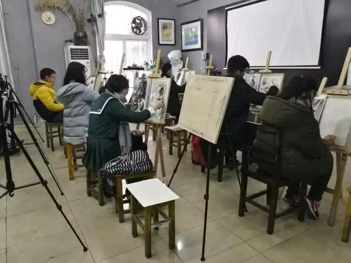 大武汉画室上课图